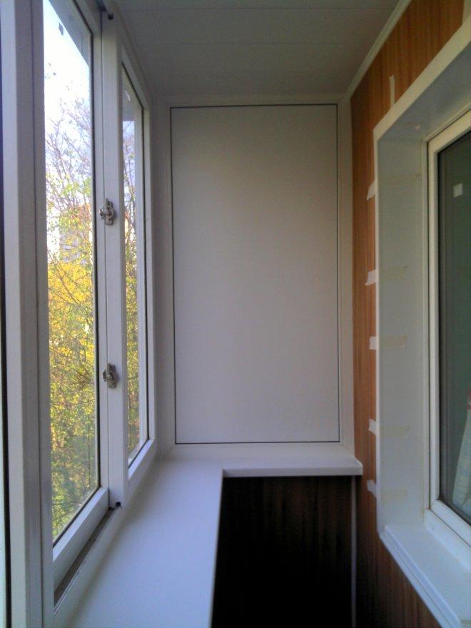 Кремовые ламинированные пластиковые панели для балкона..